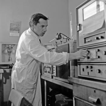МАЛАХОВ Виктор Васильевич (фото из архива ДВГИ)