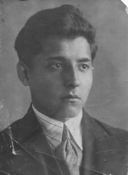 Иван Николаевич Зайцев - довоенная фотография