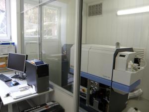 масс-спектрометр высокого разрешения с ионизацией в индуктивно-связанной плазме для рутинного элементного и изотопного анализа ELEMENT-XR