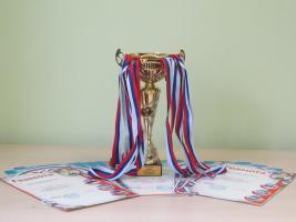Поздравляем команду ДВГИ !занявшую почетное III место в соревнованиях по троеборью среди спортивных коллективов ДВО РАН по Приморскому краю